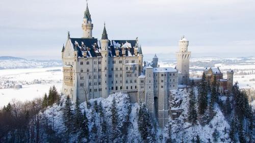 Интересные факты о замке Нойшванштайн в. Основные данные о замке Нойшванштайн