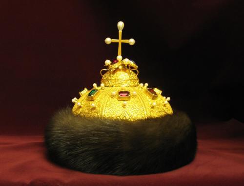 Шапка Мономаха история происхождения кратко. Откуда взялась шапка Мономаха и почему она так тяжела?