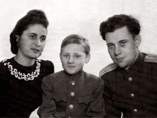 25 января 1938 года родился владимир семёнович высоцкий. Проба пера