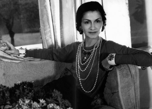 20 высказываний Коко Шанель. 20 дерзких фраз Коко Шанель, которыми объясняется ее невероятный успех