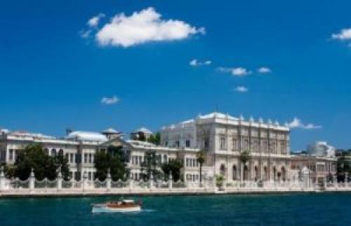 Дворец Долмабахче в Стамбуле. Дворец Долмабахче (Dolmabah e Saray ): История