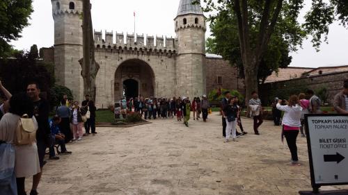 Часы работы Дворец Топкапы. Первый внутренний двор дворца Топкапы