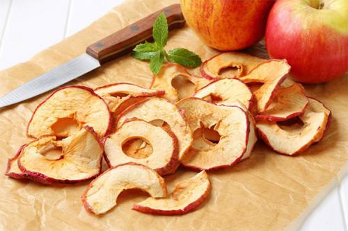 Сухофрукты из яблок. Состав и калорийность