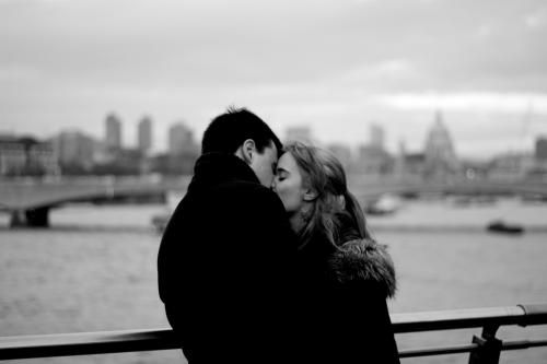 Как свести с ума мужчину поцелуем. 10 поцелуев, которые сведут его с ума