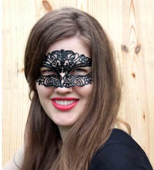 Как делать маски. Как сделать из бумаги маску. Украшаем бумажными розами.