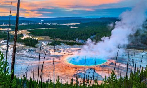 Супервулкан Йеллоустоун сегодня. Как вулкан Йеллоустоун предупредит об извержении, рассказали учёные