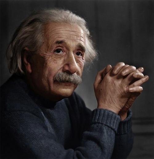 Эйнштейн все в мире является энергией энергия лежит в основе всего. Всё в мире является энергией.