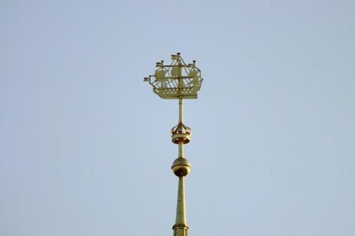 Адмиралтейский шпиль. Что хранится в шаре адмиралтейского шпиля