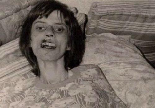 Анна Элизабет Михель. Страшная история Аннелизы Михель.