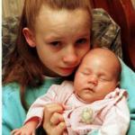 В Москве 10-летняя школьница ребенка родила.