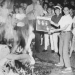"""После заявления Джона Леннона о том, что """"Битлз"""" популярнее Иисуса, радиостанцией Klue (техас) было организовано сожжение дисков группы."""
