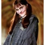 Актриса Ширли хендерсон сыграла в Гарри Поттере 13-тилетнюю школьницу плаксу миртл.