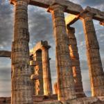 Афины, Греция.  Город, названный в честь победившей в споре Афины Паллады, зовется городом богов и солнца.