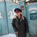 Живет в брянской области старичок - акулов Владимир Филиппович.
