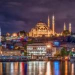 Единственным городом в мире, который расположен на двух частях света является Стамбул, Турция.