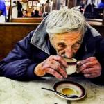 Посетители кафе заплатили за 5 кофе, а выпили только 2.