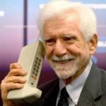 Первый мобильный телефон в мире.