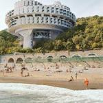 Архитeктура Ссср - это когда все здания выглядят как базы повстанцев и импeрцев из Star Wars.