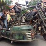 Самый большой мотоцикл в мире с двигателем от танка Т - 55.