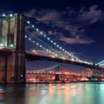 Бруклинский мост в городе Нью-йорке - любимое сооружение горожан и туристов.