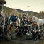 Большинство жителей Исландии не имеют привычной нам фамилии, а обозначаются по имени и отчеству.