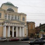 Директор музея Арктики уволен за то, что отказался передавать здание РПЦ.