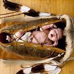 Почему практически все народы подвесные люльки для младенцев имели?